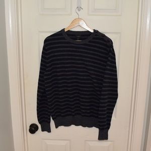 Men's JCREW unique 3 button shoulder sweater